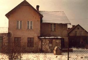 Budynek dworca kolejki szprotawskiejw Ochli. Widok wspólczesny (1994 r.)