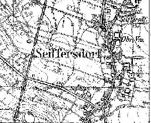 Fragment niemieckiej mapy topograficznej z 1933 r.. W lewym, dolnym rogu, tuż poniżej przejazdu kolejowego widać stację Radwanów (Bf). Prawdopodobnie były dwa boczne tory i jakiś budynek za torowiskiem (patrząc od strony wsi).